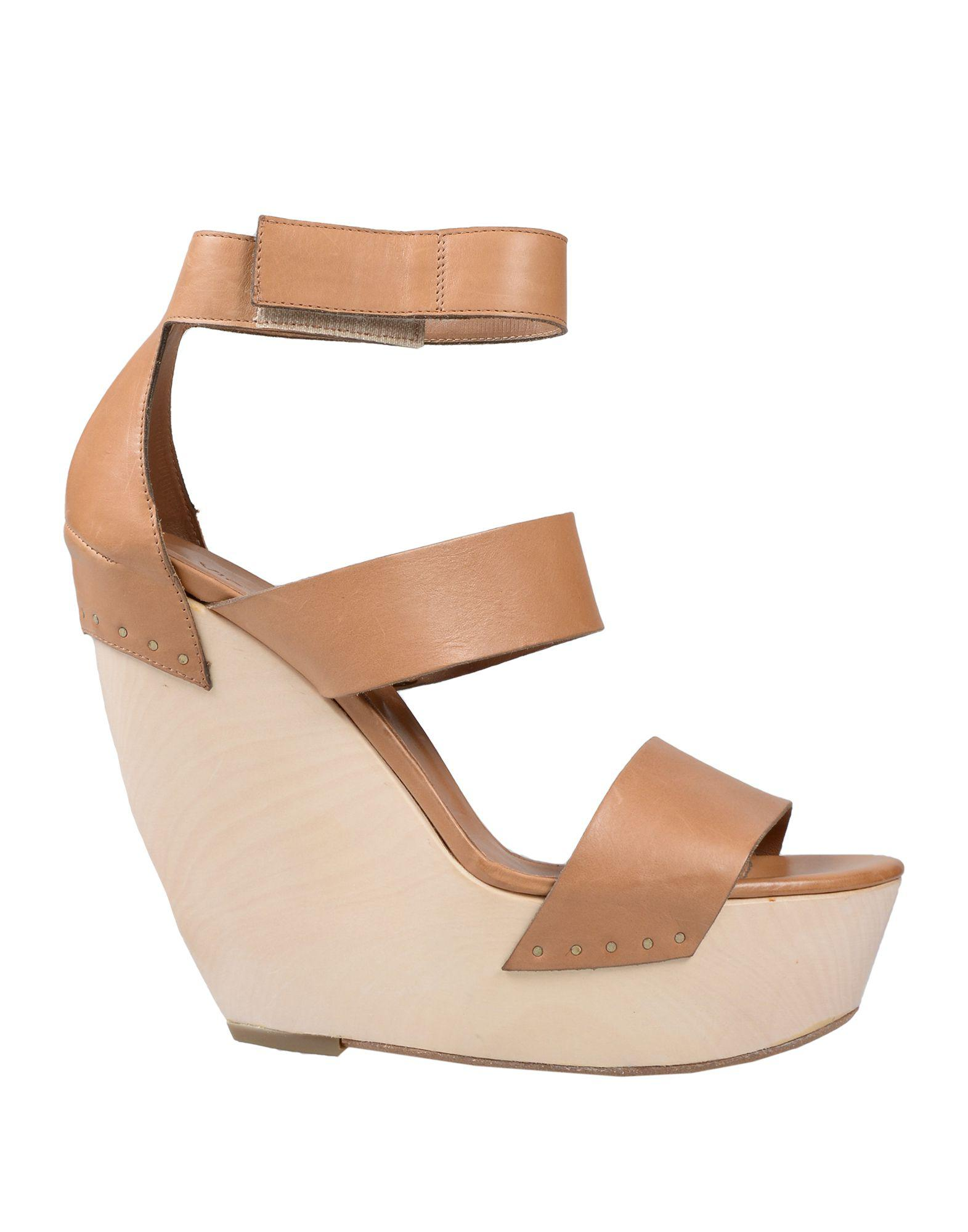 8d19e1b9f33 Vic Matié Sandals in Brown - Lyst