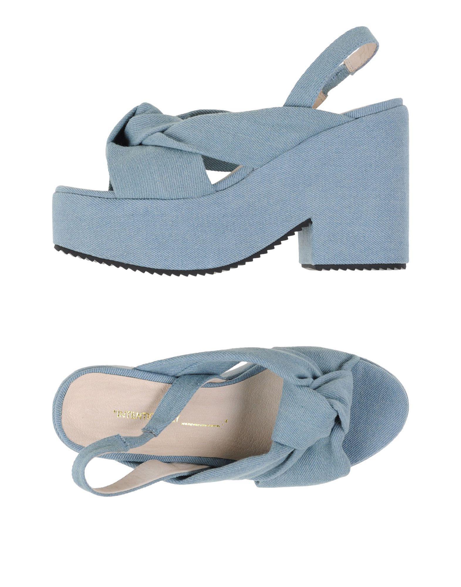 Intentionally_______. Intentionnellement_______. Sandals Des Sandales vQVVkb
