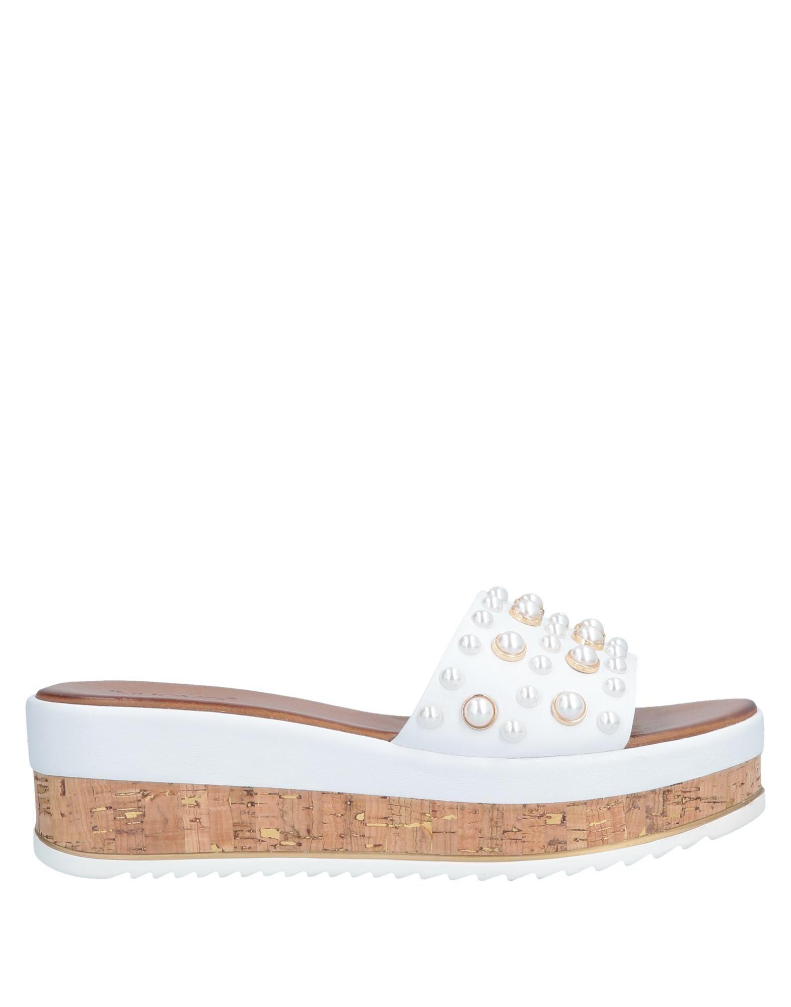 c64f0d21502 Lyst - Inuovo Sandals in White