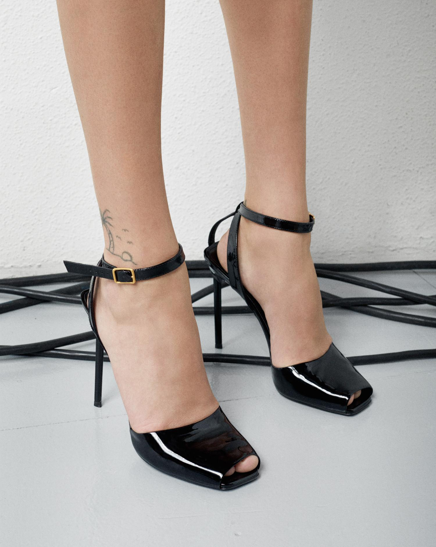 742ad391b538 Lyst - Saint Laurent Edie 110 Peep Toe Sandal In Black Patent ...