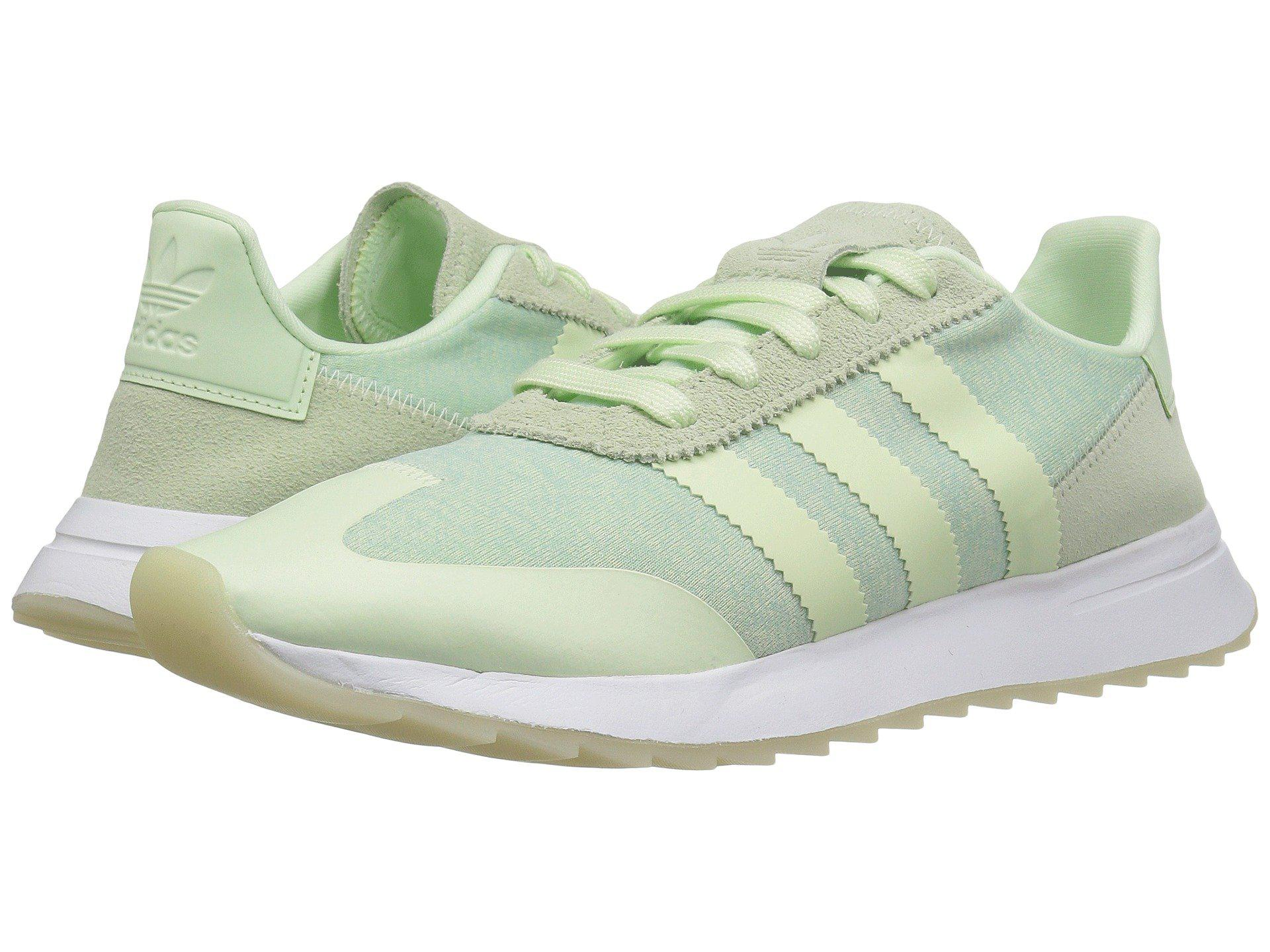 lyst adidas originali flashback runner in verde