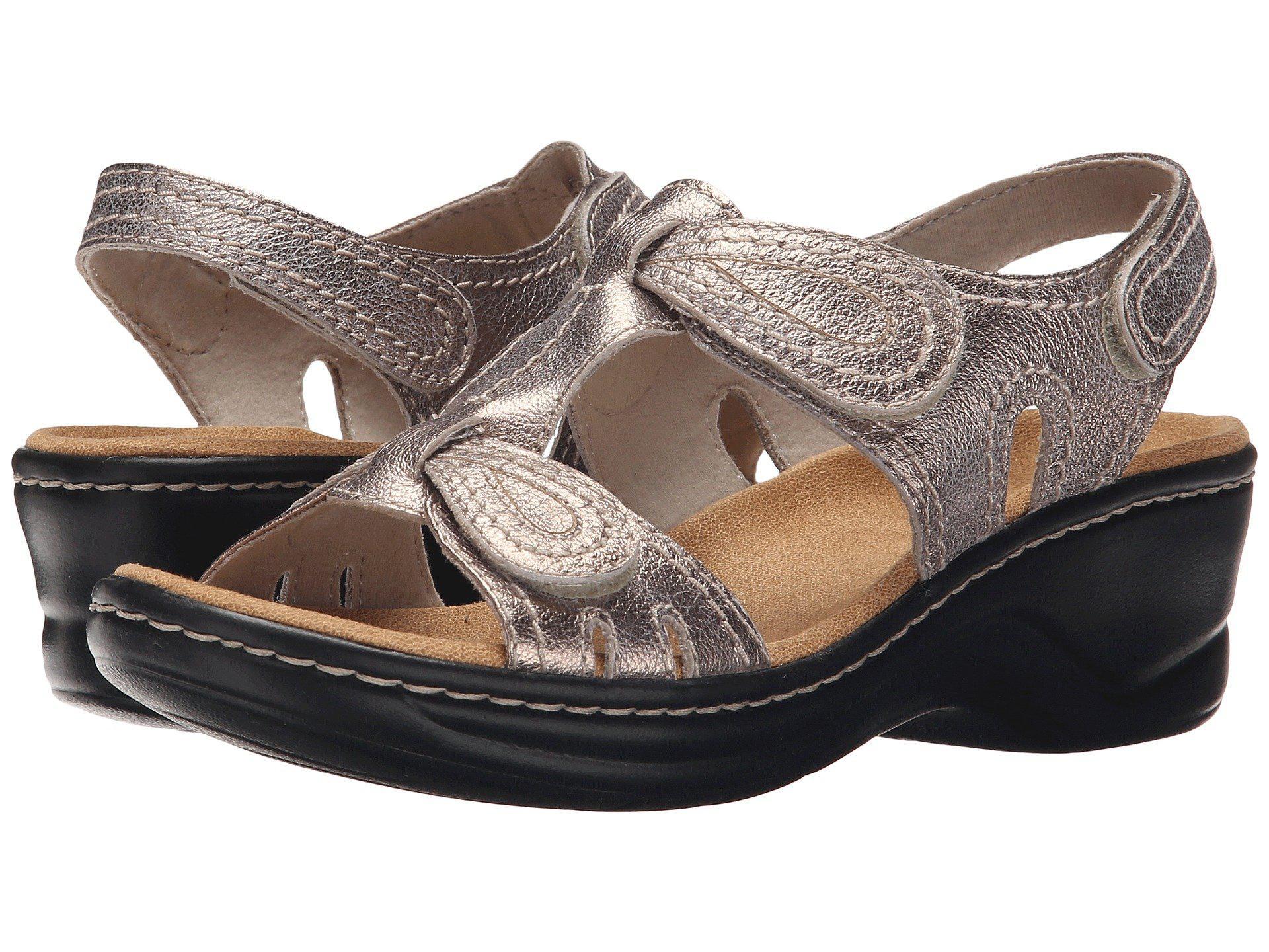 Clarks Lexi Walnut Sandal (Women's) mbp4snHt3